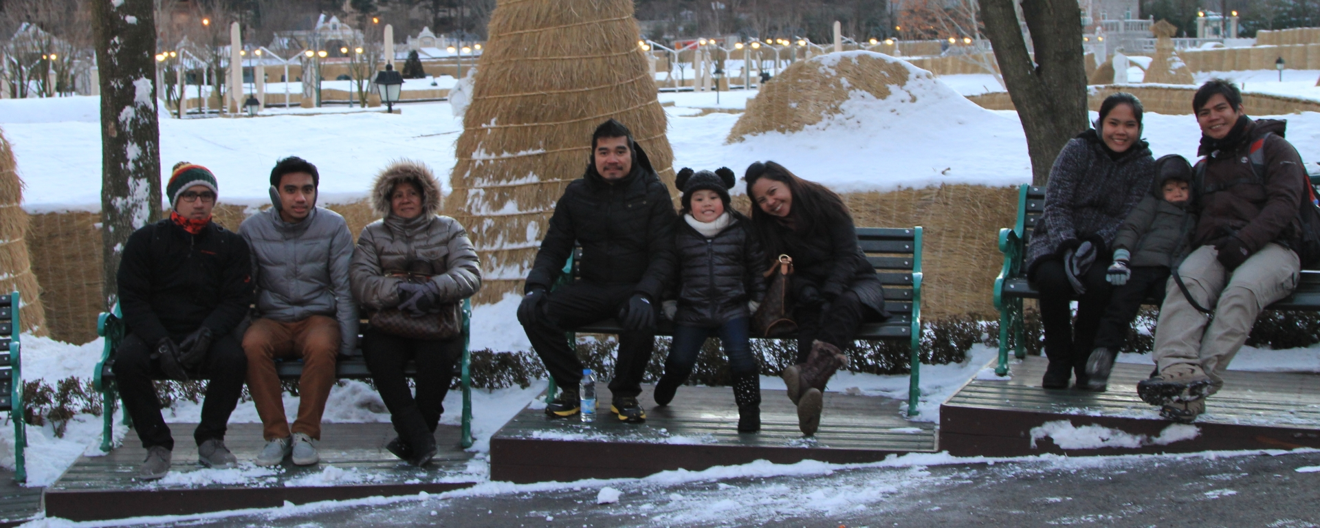 Family photo in Everland Korea