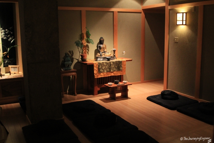 Small prayer room for Buddhists