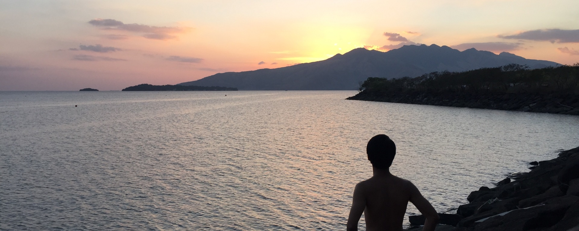 Silhouette of the journeying engineer in Subic Bay